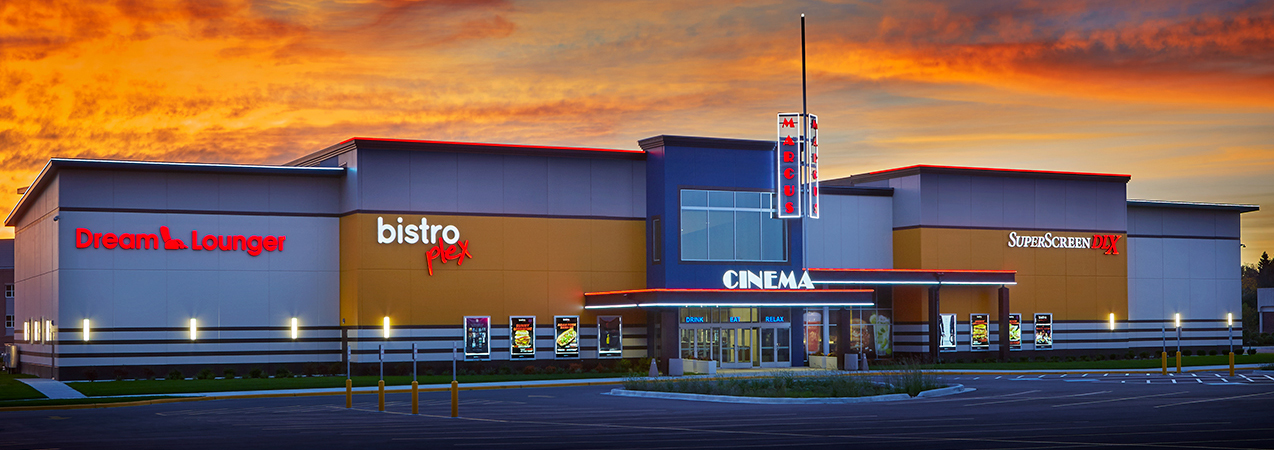 The entire front of the Bistroplex Southridge movie theater and parking lot in Wisconsin.