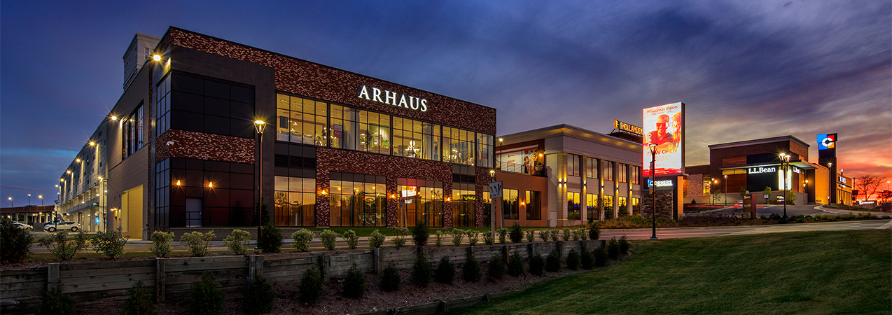 Entire exterior of the Corners of Brookfield mall in Brookfield, WI, built by Tri-North Builders.