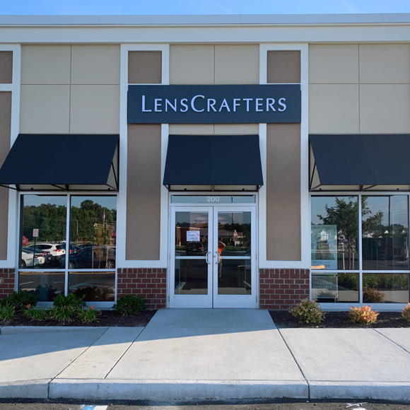 The exterior view of the front entrance to LensCrafters, a Tri-North project.