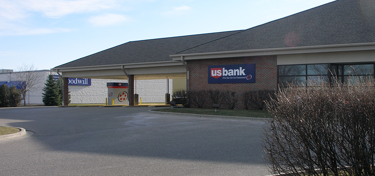 Drive-up and ATM areas of the US Bank building built by Tri-North Builders in Wisconsin.