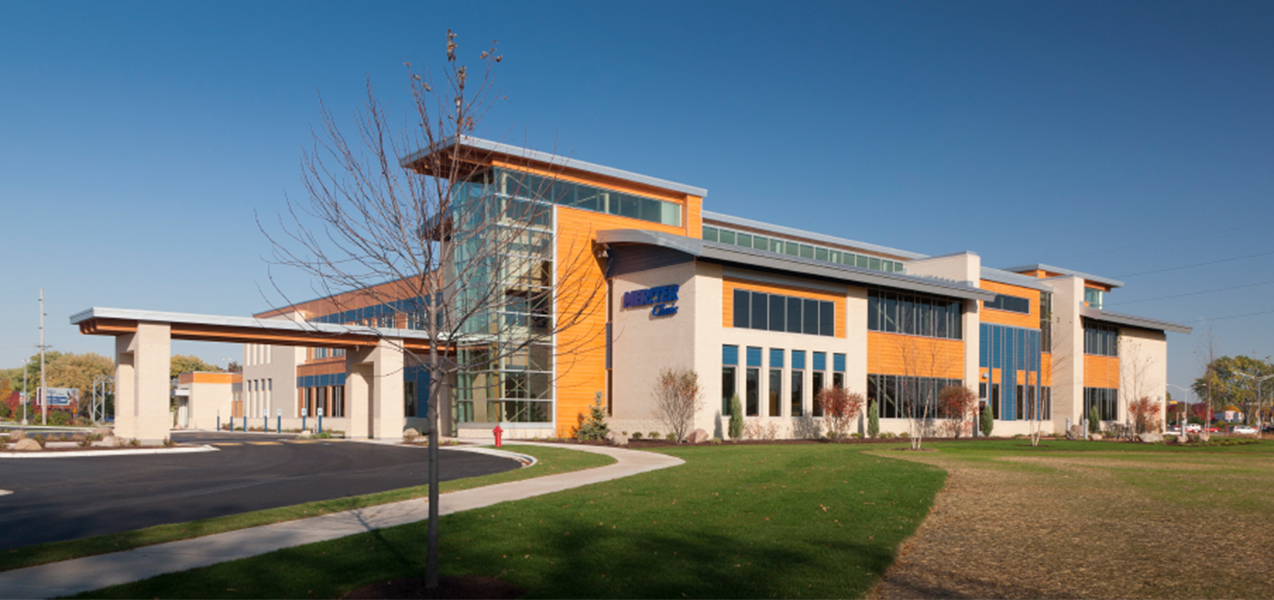 Front and side of the Unity Point Meriter Monona medical clinic in Wisconsin, a Tri-North Builders construction project.